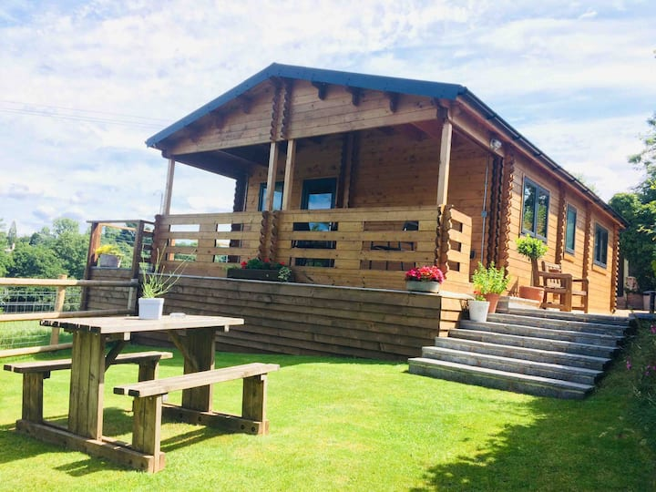 """Orchard Lodge""  Pound Farm Holidays - Mid Devon"