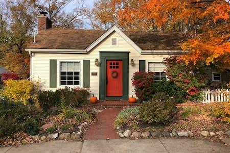 Eco-friendly riverfront home! Close to Ann Arbor!