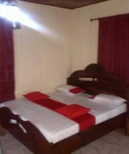 Master bedroom:Rafiki in Simbalodge - Bakau