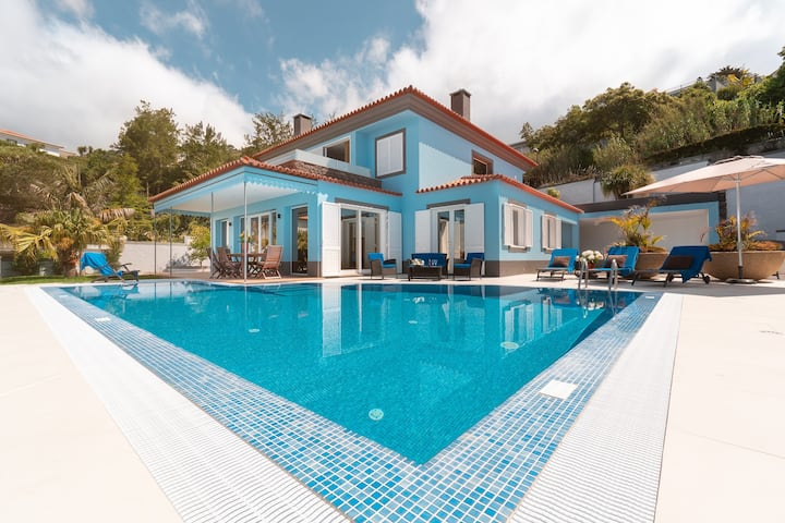 Villa Loreina Palace With Private Pool & ⚽️ Field