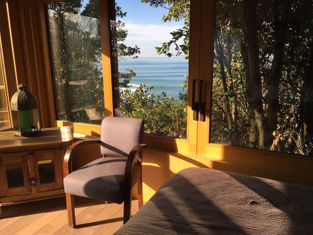 Cabane romantique vue panoramique sur l'océan - Guéthary - Sommerhus/hytte