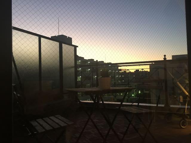 Sunny Modern Rooftop Apartment, 15min to Shibuya - Shinagawa - Daire