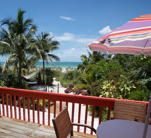 Coquina Cottage ON the Beach - Captiva - Casa