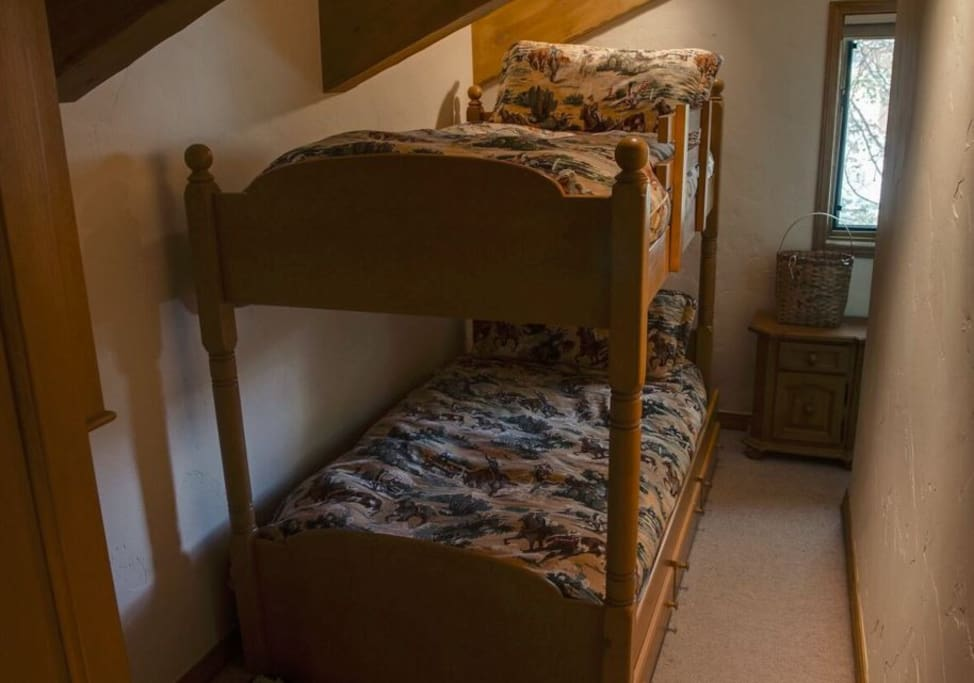 Small loft with Bunk Bed