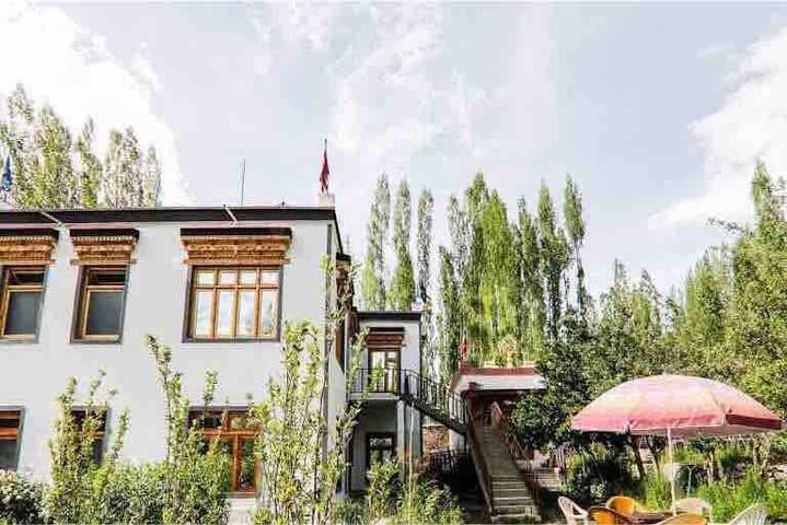 Jor Tsangbu Guest House