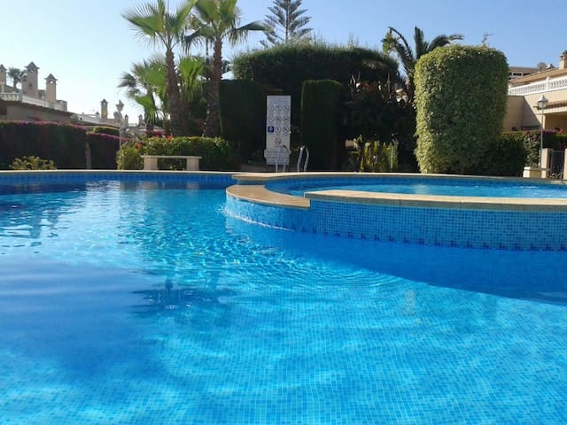 Miraflores - Playa Flamenca - Leilighet