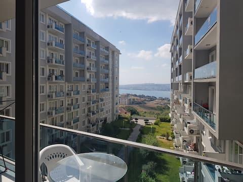 Private room in luxury sea facing apartment,female