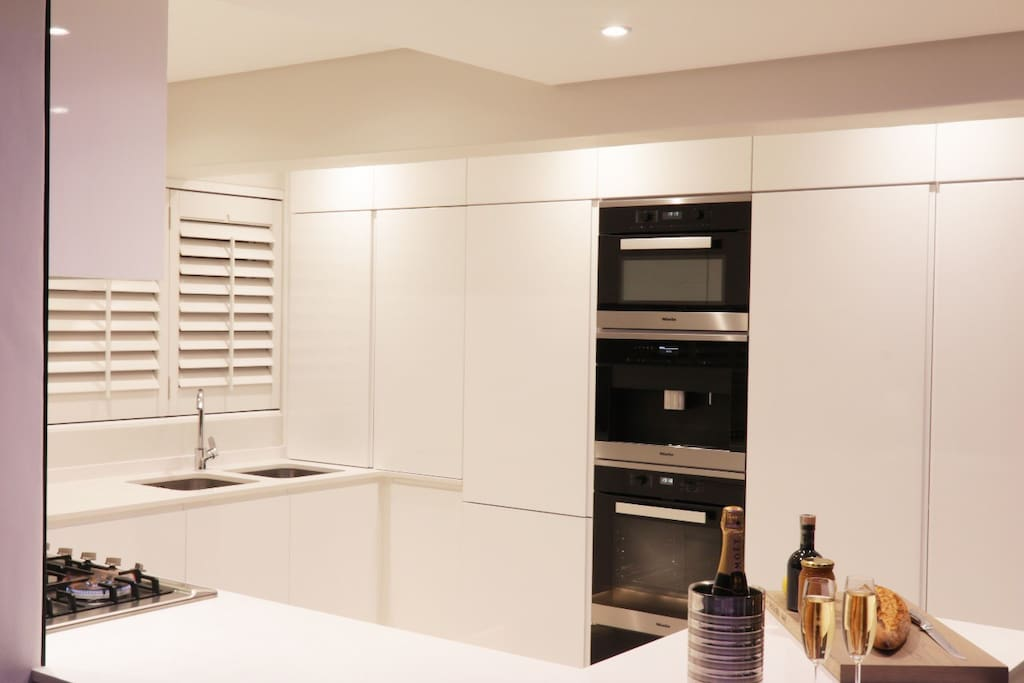 Fully equipped kitchen with state of the art Miele appliances