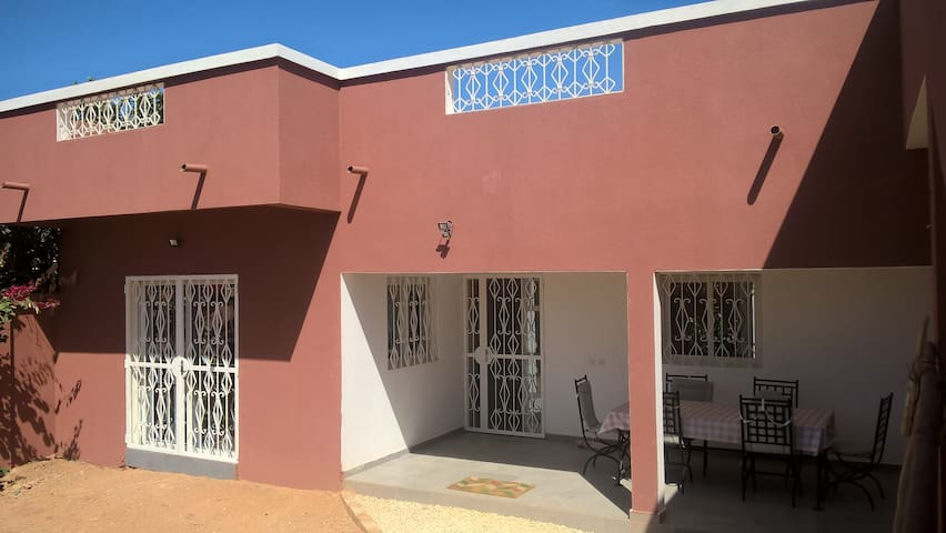 Villa hors résidence, 3 chambres (6 pers) à Saly