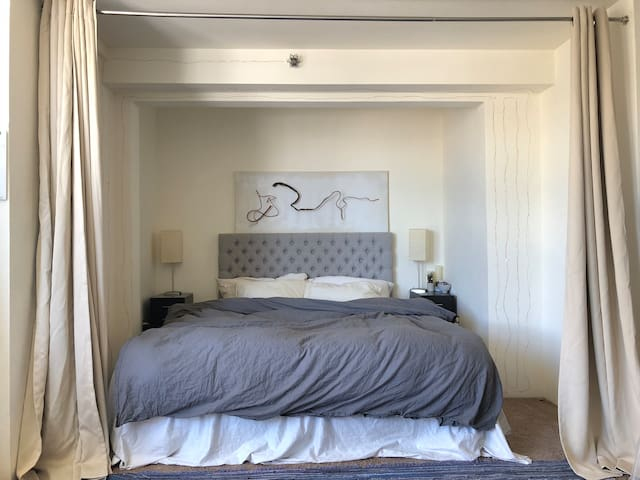 Artsy Studio Apartment - Filmore/Japantown