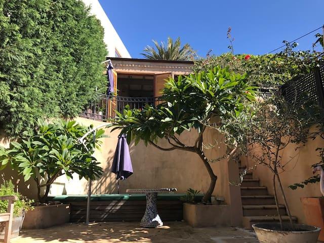 Studio apartment :Tamarama Beach, Sydney