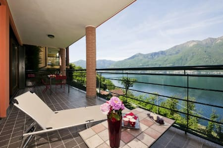 Sunrise Terrace - Maccagno con Pino e Veddasca - Appartement