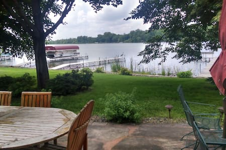 Comfort and relaxation at beautiful lake home! - Chisago City - Casa