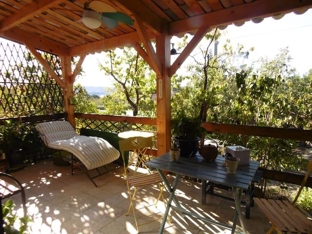 Sous les ciels de Provence en Luberon - Reillanne - บ้าน