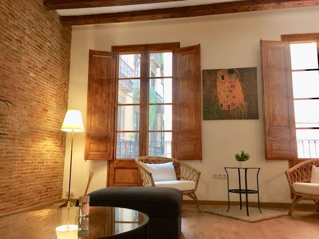 Double Room Royale in the Gotic Historic Quartier