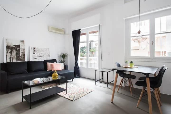 Renovated apartment in Petralona