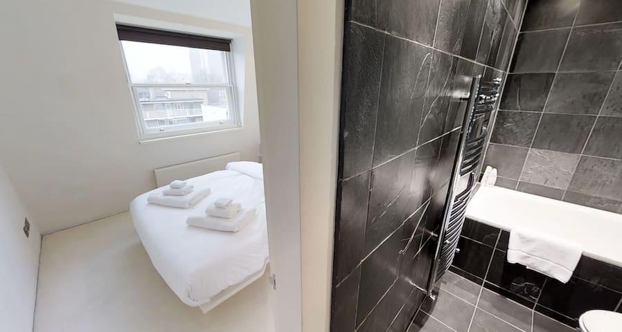 Bedroom / bathroom