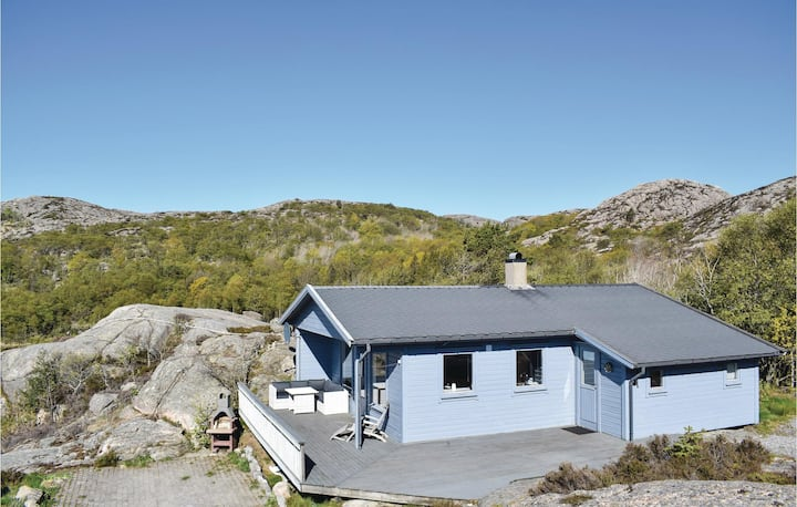 Nice home in Lindesnes with WiFi and 3 Bedrooms