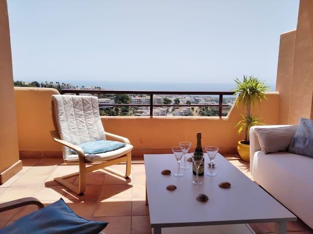 Apparemment  contemporain  vue mer proche Marbella