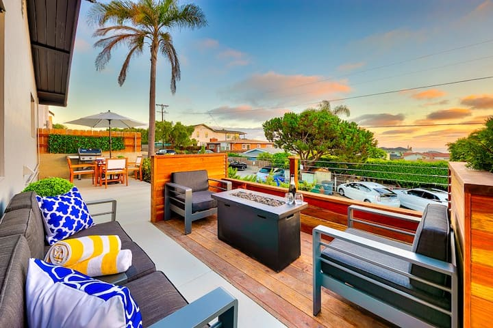 Beautiful Beach Home, Walk to Sand, Ocean View + Close to All
