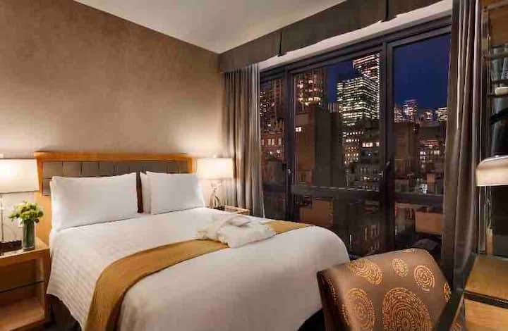 Large private NYC view room