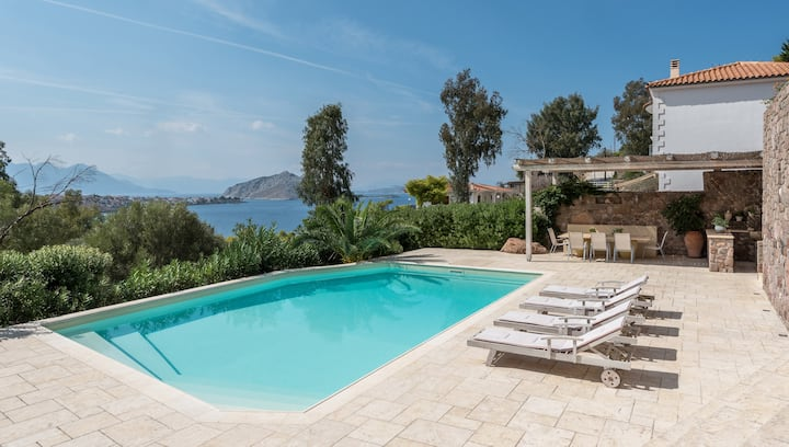 Luxury Villa, Private Pool & Sea View