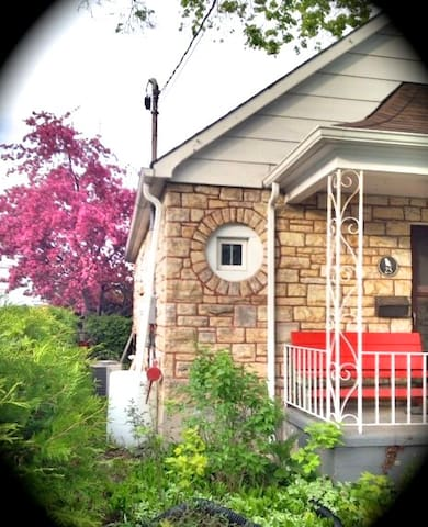 Charming historic  home downtown Arnprior - Arnprior - Dům