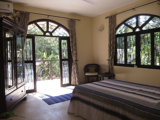 Bed and Breakfast in Corjuem Villa - Blue Room. - Aldona - Bed & Breakfast
