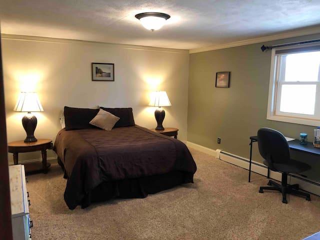 Bedroom, queen bed, and desk