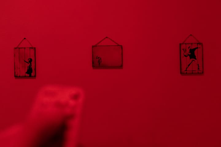 In the guest-bedroom (and living room too) you can choose the colour of the light with a remote control