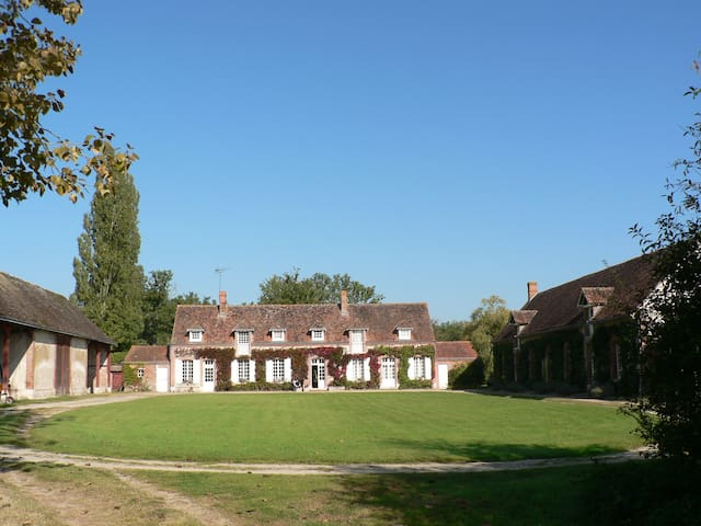 Large family house near Loire and Cher Chateaux - Lassay-sur-Croisne - Casa