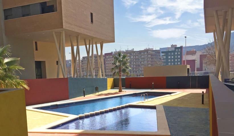 Appartement avec piscine, vue sur le château/mer