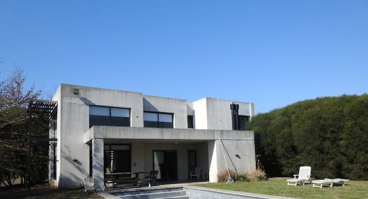Hermosa casa en Haras Santa Maria