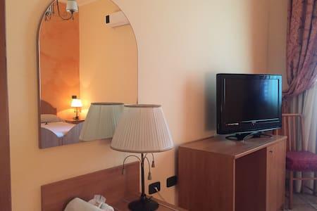 Camera doppia | zona aeroporto - Isola di Capo Rizzuto