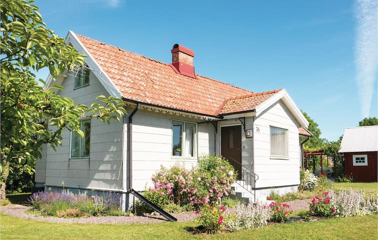 Holiday cottage with 3 bedrooms on 110 m² in Färjestaden