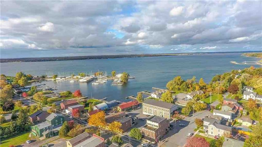 Beautiful Apartment in Downtown Sackets Harbor