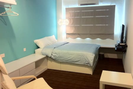 W de studio service apartment