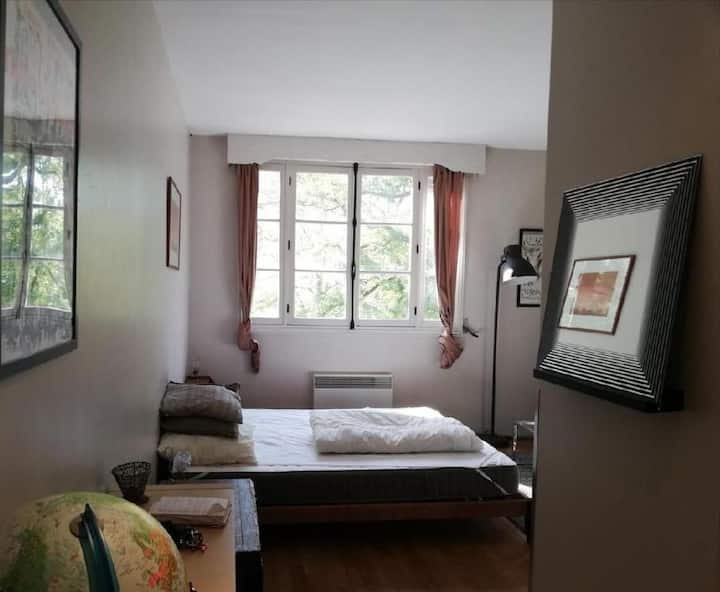 Studio meublé Barbizon 23m2 - en bordure de forêt.