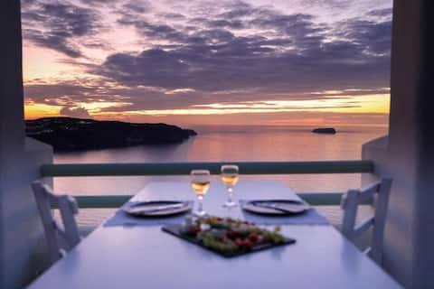 Cliff Reflections - Superior Suite - Caldera View