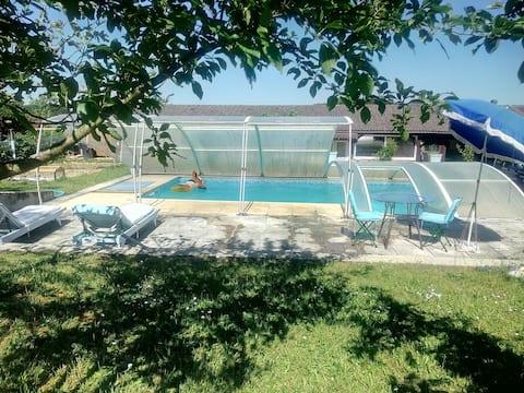 Chalet en campagne +piscine