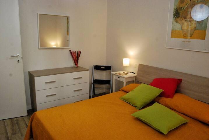 Camera 2 - letto matrimoniale