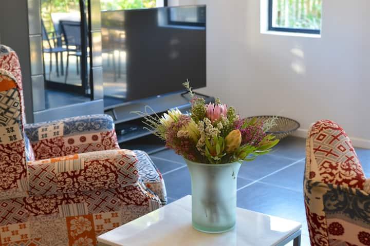 Luxury Villa Honeysuckle, pool - 4 bedrooms