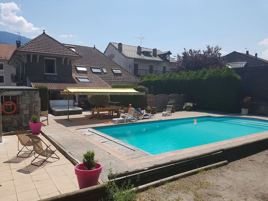 Maison de caract re centre ville maisons louer for Piscine albertville