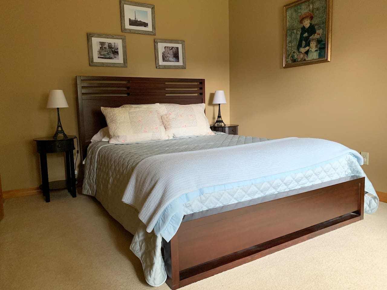 Queen bed in large, private room