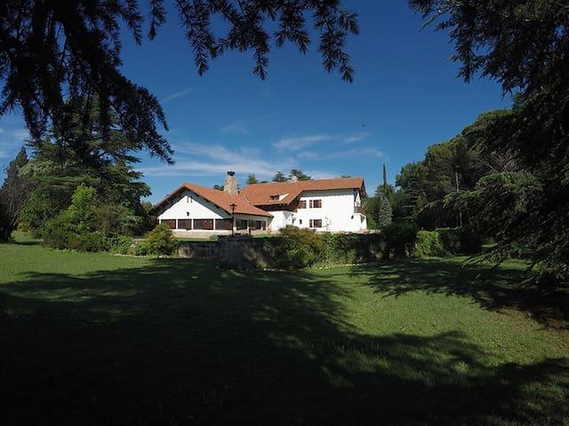 Antigua Casa de Campo estilo Alpina en Nono - Nono