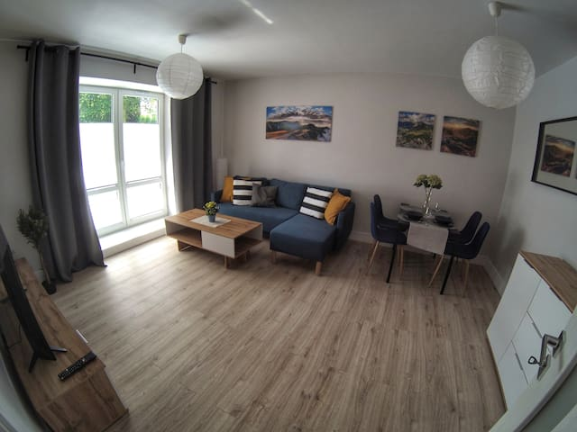 Cosy apartment with terrace in center, green area