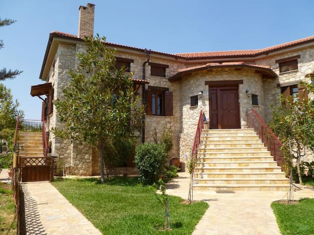 Athens happy pool cottage near Airport of Spata