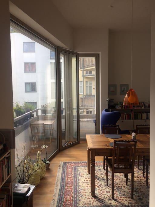 Living room&balcony