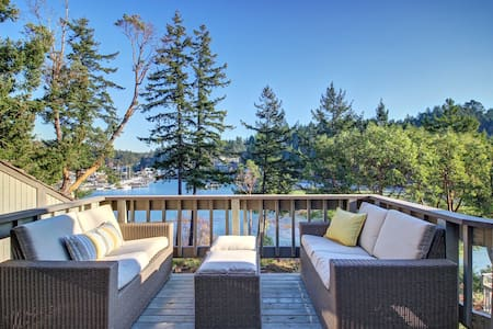 Waterfront Loft-Roche Harbor, San Juan Island - Friday Harbor