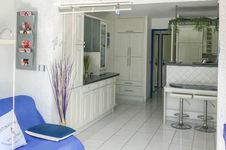 Joli studio avec piscine, proche de Saint Tropez.